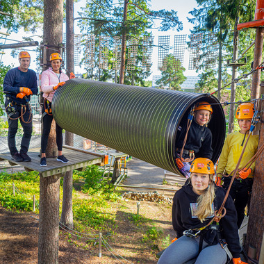 Perhelippu 4 hlö (1–2 aikuista + alle 15-v. lapset samasta taloudesta) - Flowpark Tampere